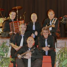 http://orchestrehugueslamagat.com/wp-content/uploads/2014/05/orchestre-danse-1.jpg