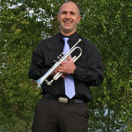 http://orchestrehugueslamagat.com/wp-content/uploads/2014/05/orchestre-danse-10-682x1024.jpg