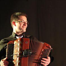 http://orchestrehugueslamagat.com/wp-content/uploads/2014/05/orchestre-danse-18.jpg
